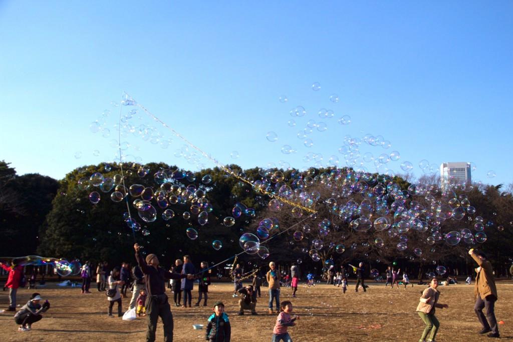 代々木公園シャボン玉3