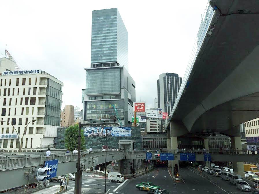 渋谷西口歩道橋から北東方面 ヨコシマウマ/iPhone6